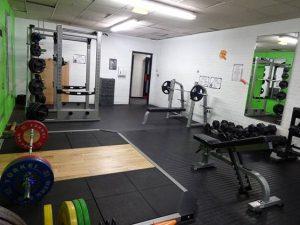 bench press in gym